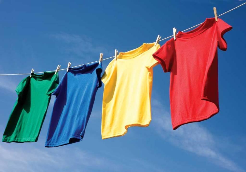 Как вывеси запах бензина с одежды?