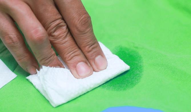 Как отстирать подсолнечное масло с одежды?