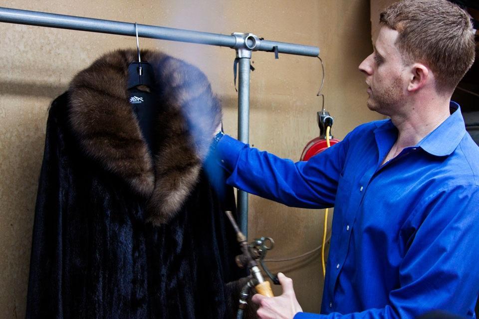 Как почистить норковую шубу в домашних условиях?