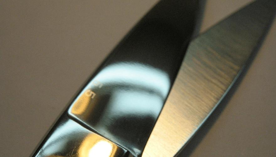 Как заточить маникюрные ножницы в домашних условиях?