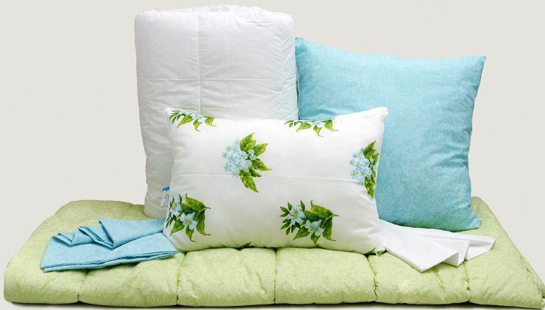 Как правильно чистить перьевые подушки?