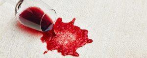 Как вывести пятно от красного вина?