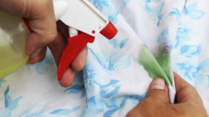 Как отстирать зеленку с одежды в домашних условиях?