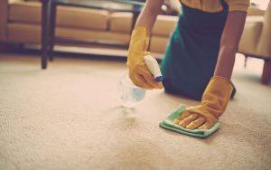 Чем почистить ковер от грязи в домашних условиях?