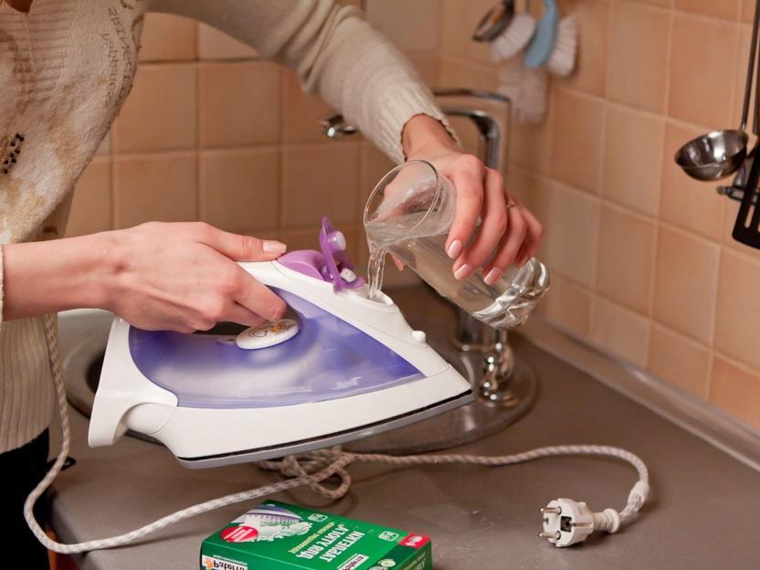 Как очистить утюг от накипи внутри в домашних условиях?