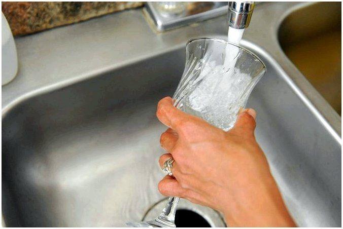 Как помыть хрустальную посуду, чтобы она блестела?