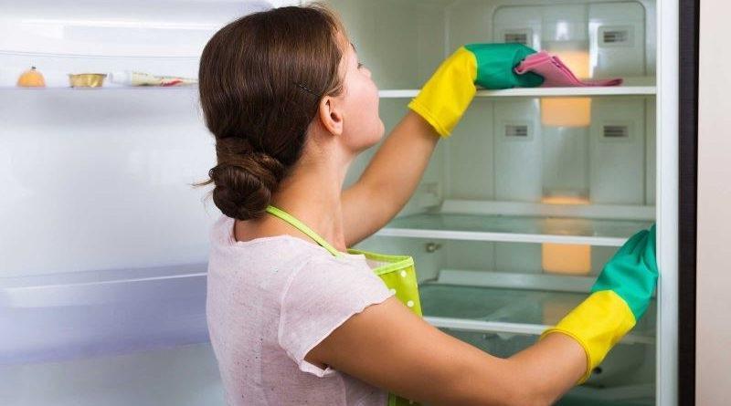 Как правильно и быстро разморозить холодильник?