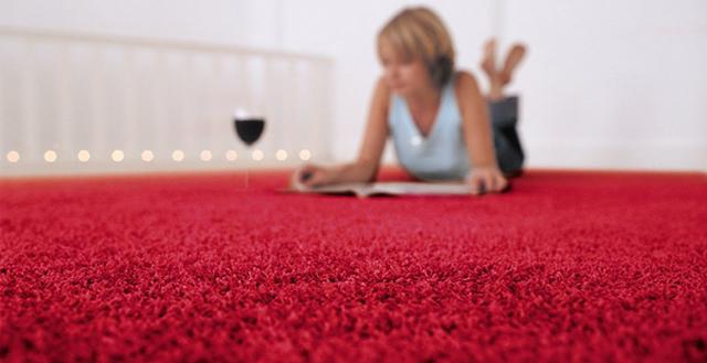 Сухая чистка ковролина от пятен в домашних условиях