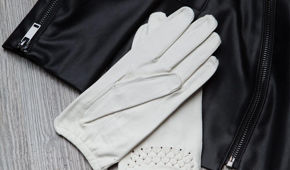 как почистить белые кожаные перчатки в домашних условиях?