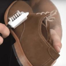 Как ухаживать за замшевой обувью зимой в домашних условиях?
