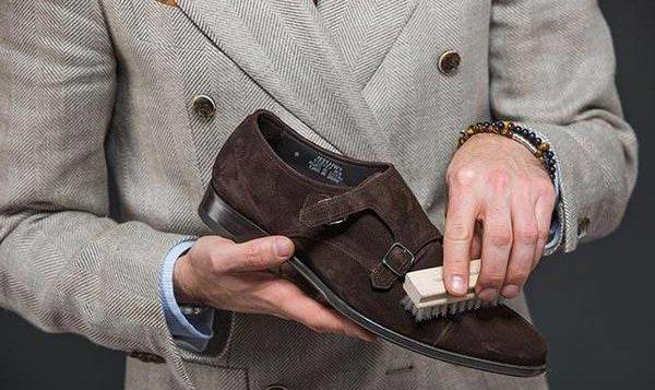 Как восстановить замшу на обуви в домашних условиях?