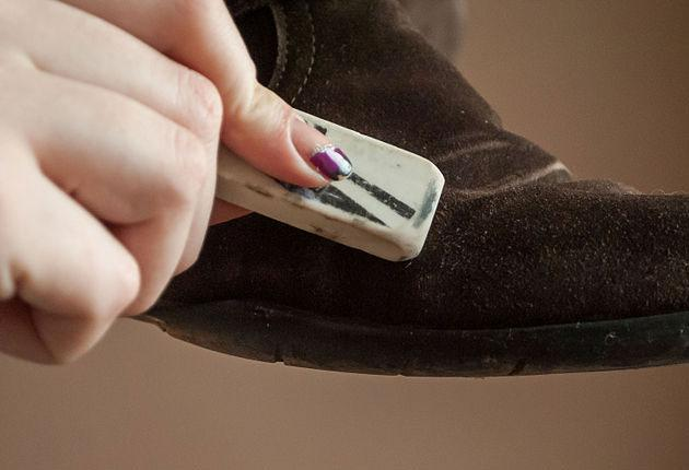 Ластик для чистки замшевой обуви