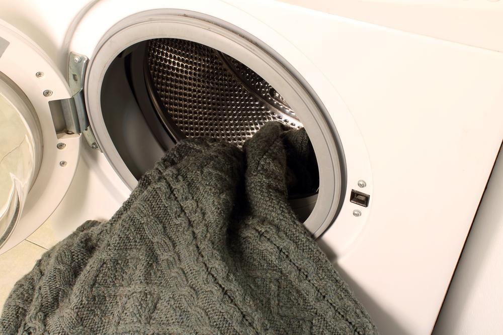 Как правильно стирать кашемировый свитер в домашних условиях?