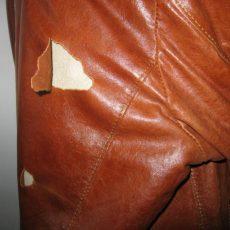 Как заклеить кожаную куртку в домашних условиях?