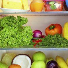 Как хранить зелень в холодильнике, чтобы она долго оставалась свежей?
