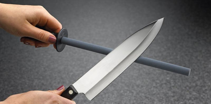 Как правильно точить ножи бруском вручную или на точильном станке?