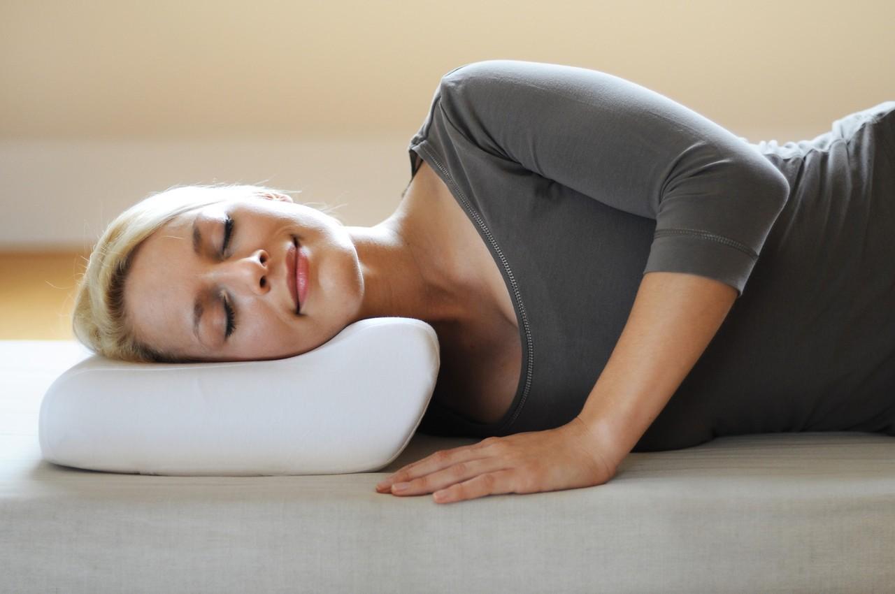 Как стирать ортопедическую подушку?