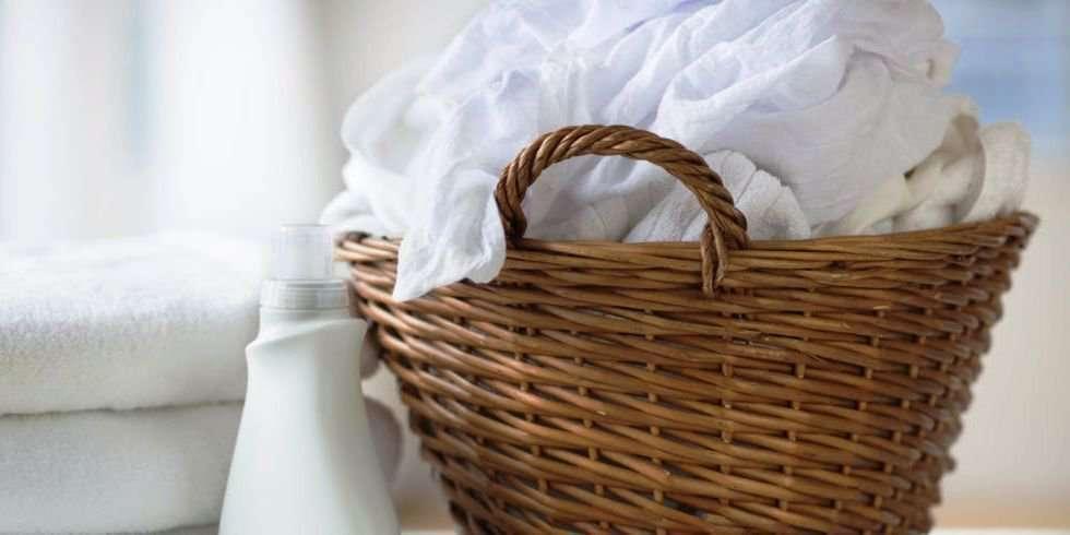 Как отбелить синтетические белые вещи в домашних условиях?