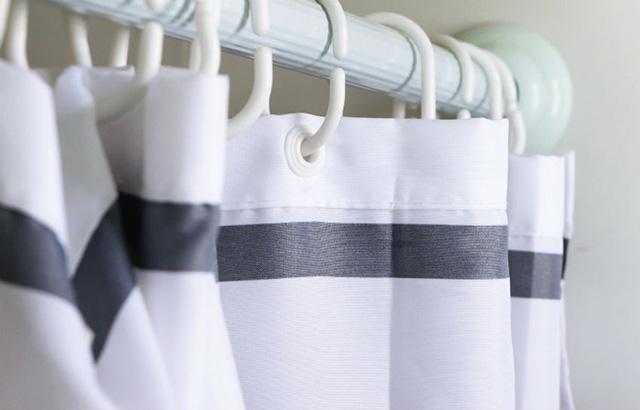 Как постирать шторку для ванной от налета и желтизны?