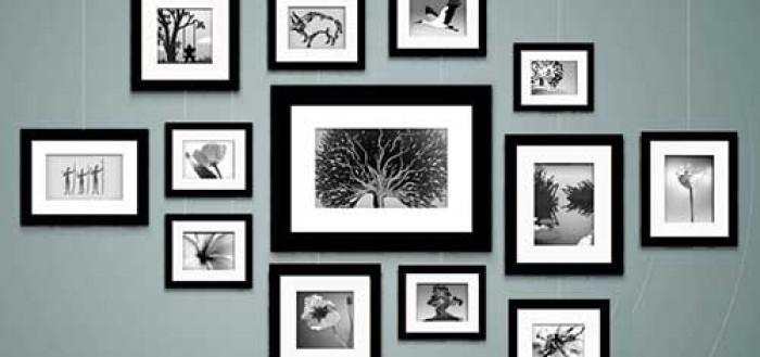 Как красиво повесить рамки с фото на стену?