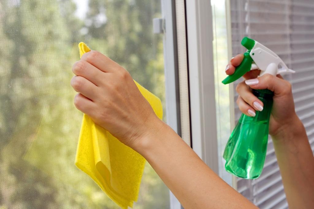 Как помыть окна, чтобы они не потели?