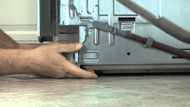 Как поставить отдельно стоящую машинку ровно?