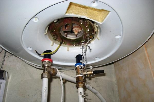 Как слить воду с прибора?